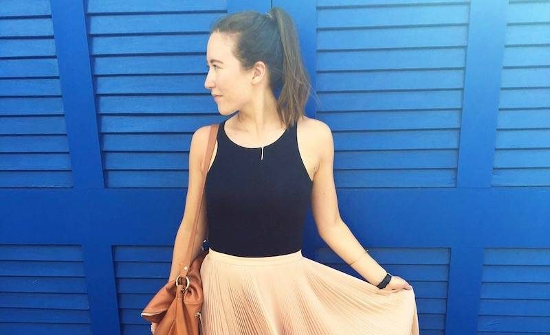 how-to-wear-a-midi-skirt-feature
