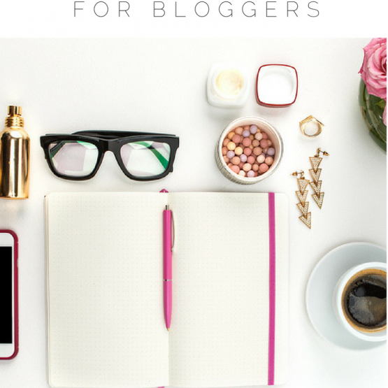 Check out 20 of my favorite Facebook groups for bloggers and female entrepreneurs. Get blogging tips, ideas, advice, and learn how to make money blogging from experts in the blogging world. Grow your blog and social media, make connections and collaborate in these awesome Facebook communities!