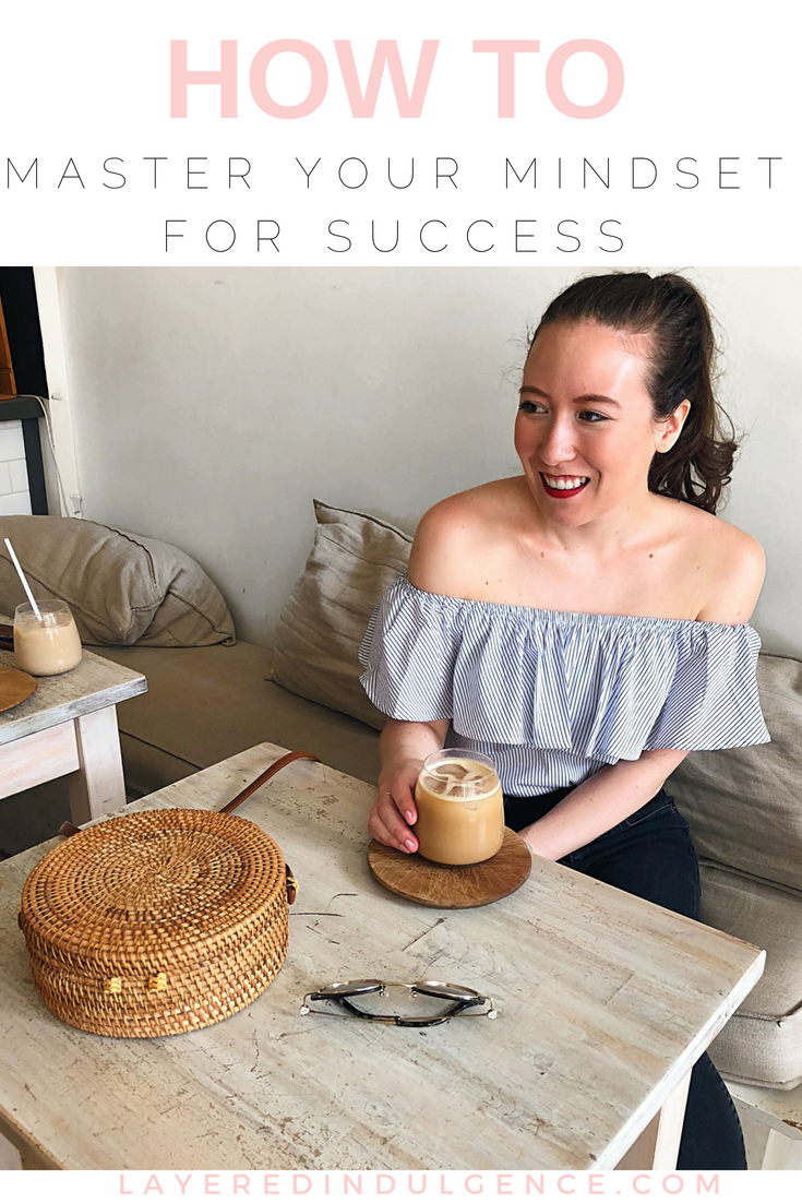 Want to live your dream life? You need to master your mindset! Find out the difference between a fixed mindset and growth mindset and get my 5 best tips to create self love, positive thinking, and an amazing life!