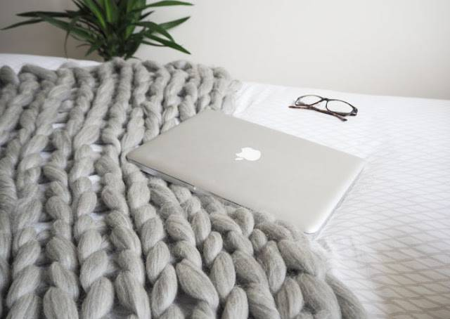 easy diy gifts knit blanket