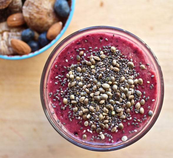 on the go breakfast recipes- acai smoothie
